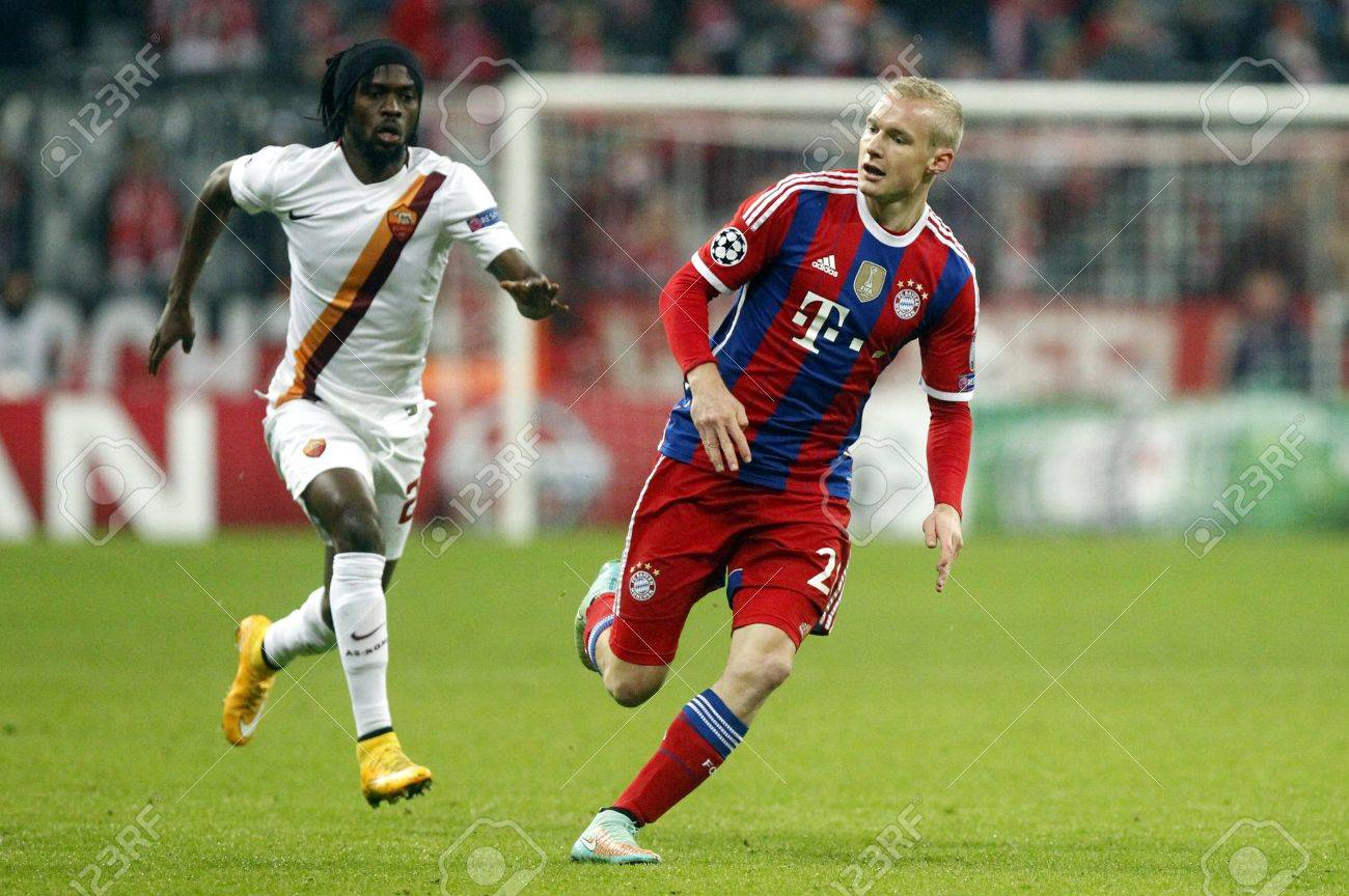 Munich Germany November 5 Sebastian Rode Bayern Munic Hand