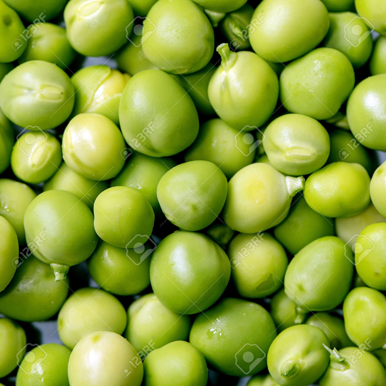 Macro food background with young sweet organic green peas. Top view. Square - 173053211