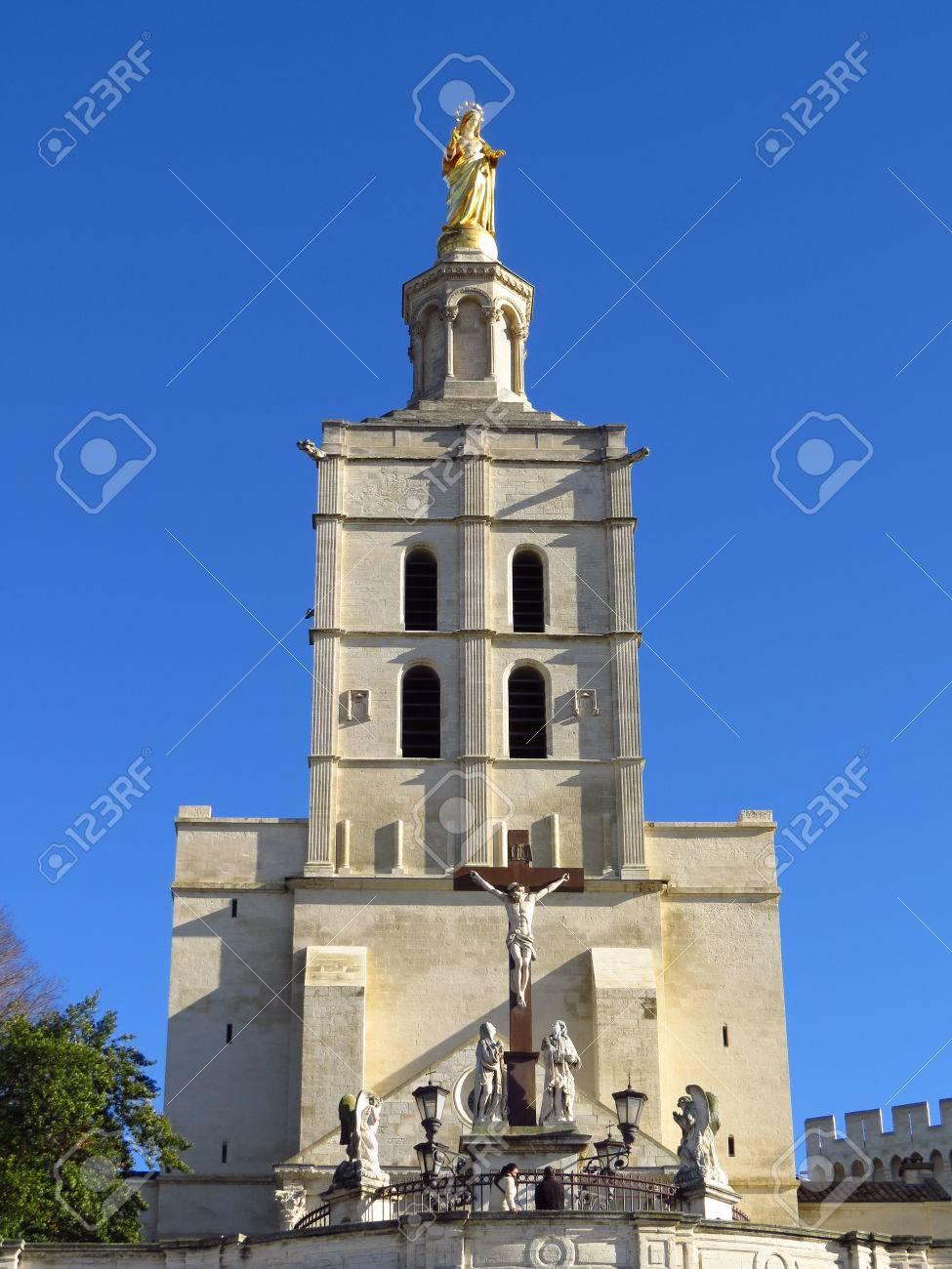 cathedrale notre dame des doms et vierge marie cathedral notre dame des doms cathacdrale de notre dame