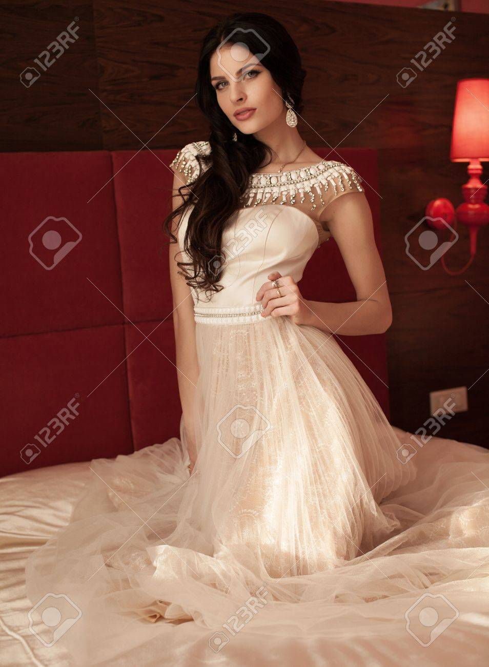 Hairstyle Beautiful Brunette Bride Girl With Long Healthy Wavy