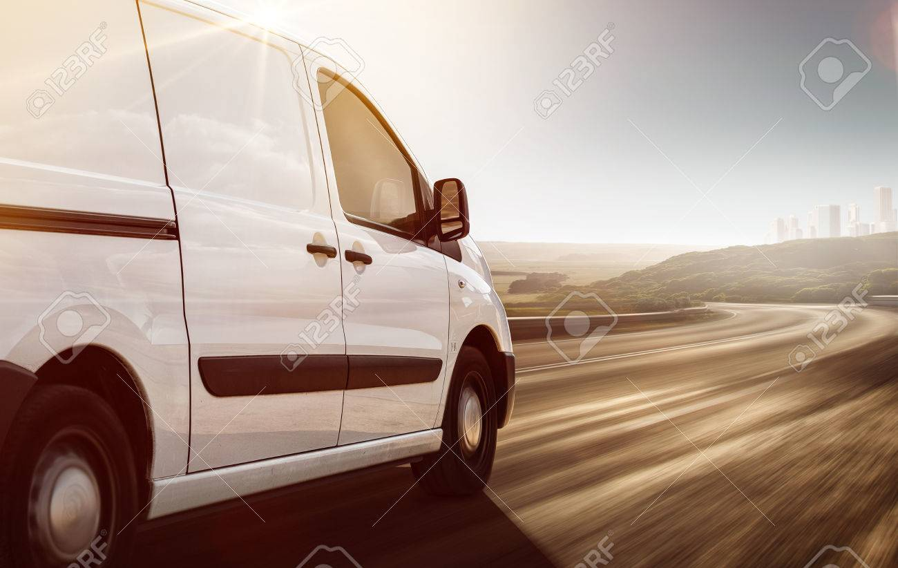 Delivery Van on its way - 75551290