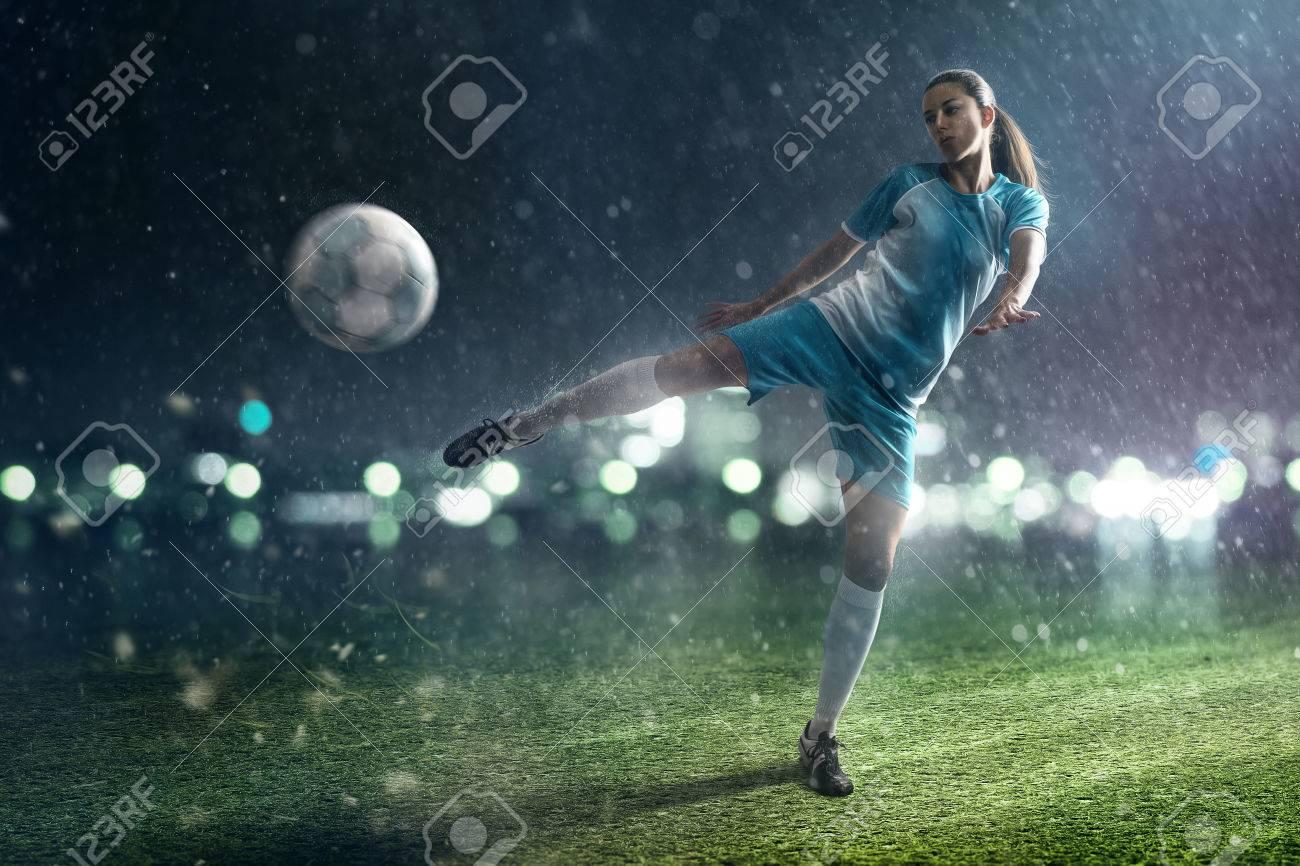 Soccer Woman - 77014090