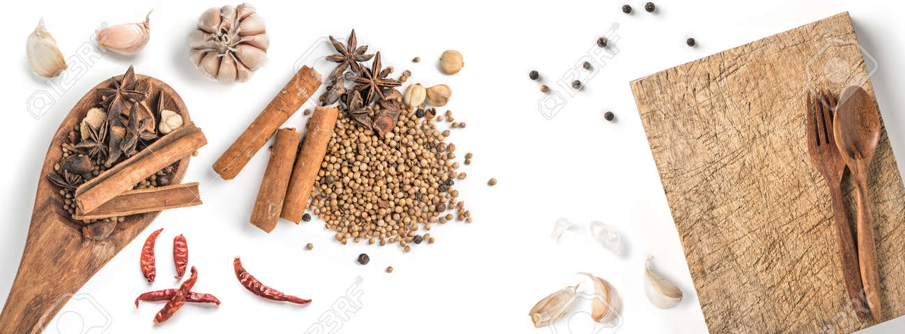 Black pepper seeds on white background. Food ingredients, spices - 171012251