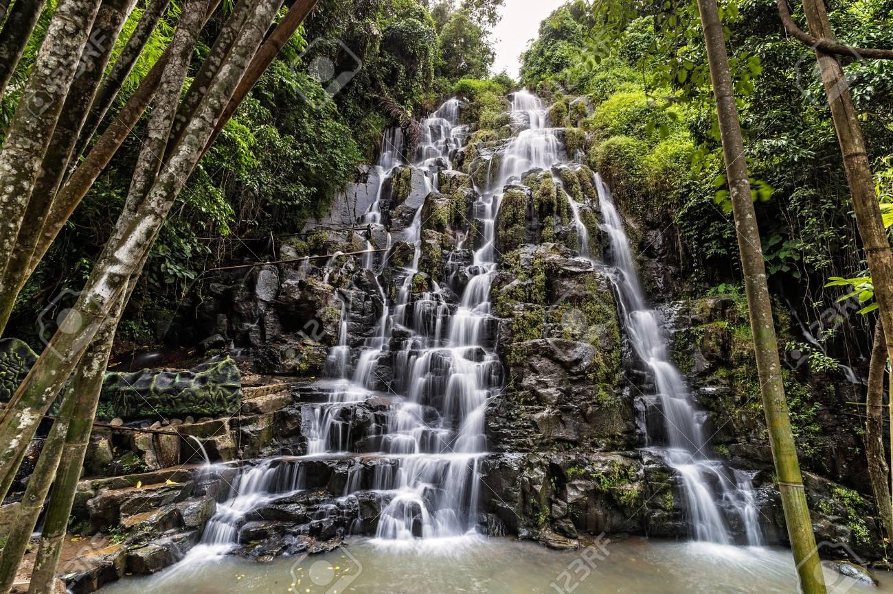 Bambus Wasserfall Lizenzfreie Fotos Bilder Und Stock Fotografie