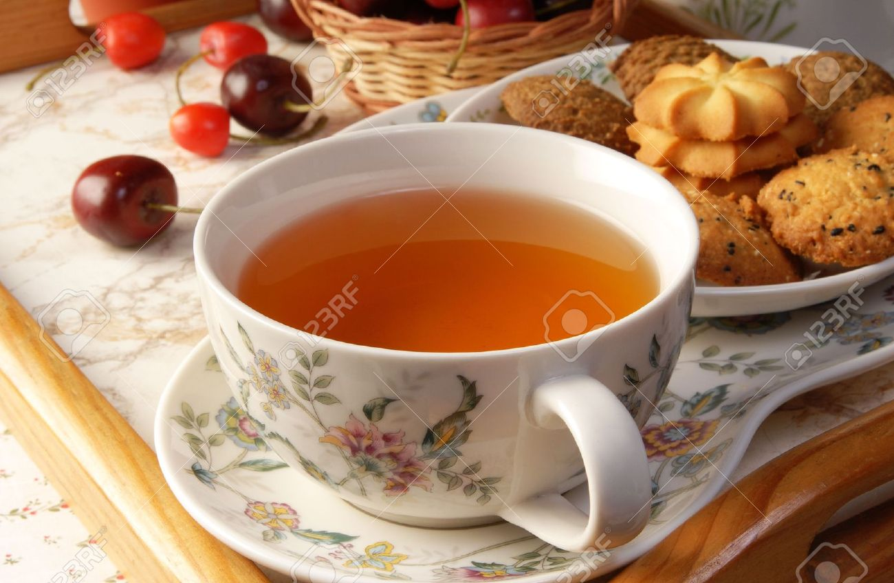 Cup of English tea with biscuits Stock Photo - 8159042
