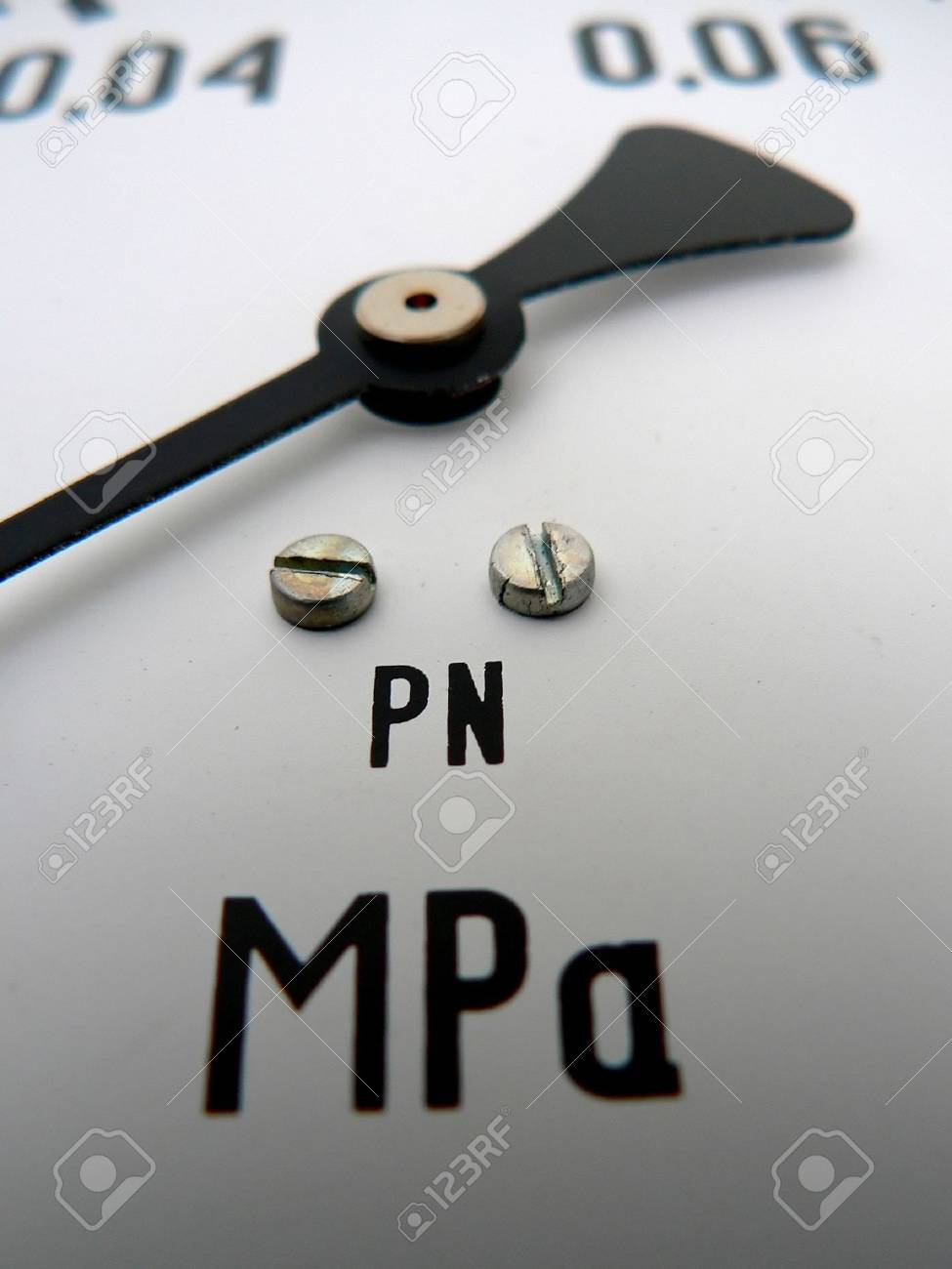 macro of a pressure gauge in a chemistry lab Stock Photo - 1253646