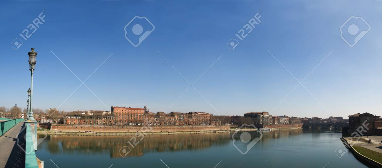 Toulouse city panoramic image from Saint Pierre bridge on the Garonne river Stock Photo - 4425613