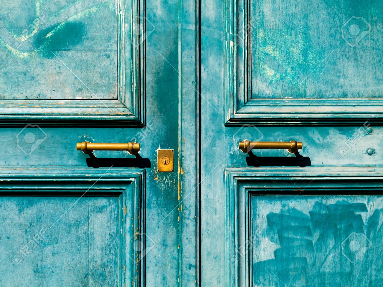 Turquoise Vintage Door With Metal Handle And Keyhole Stock Photo   4450786
