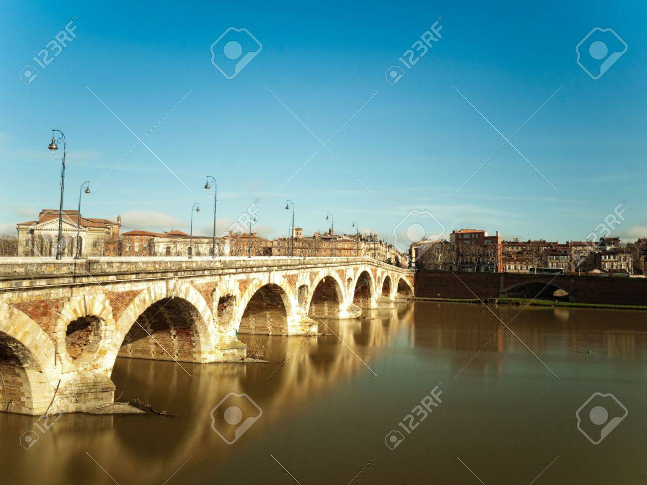 Pont neuf bridge over the garonne in the city of Toulouse in France Stock Photo - 6292574
