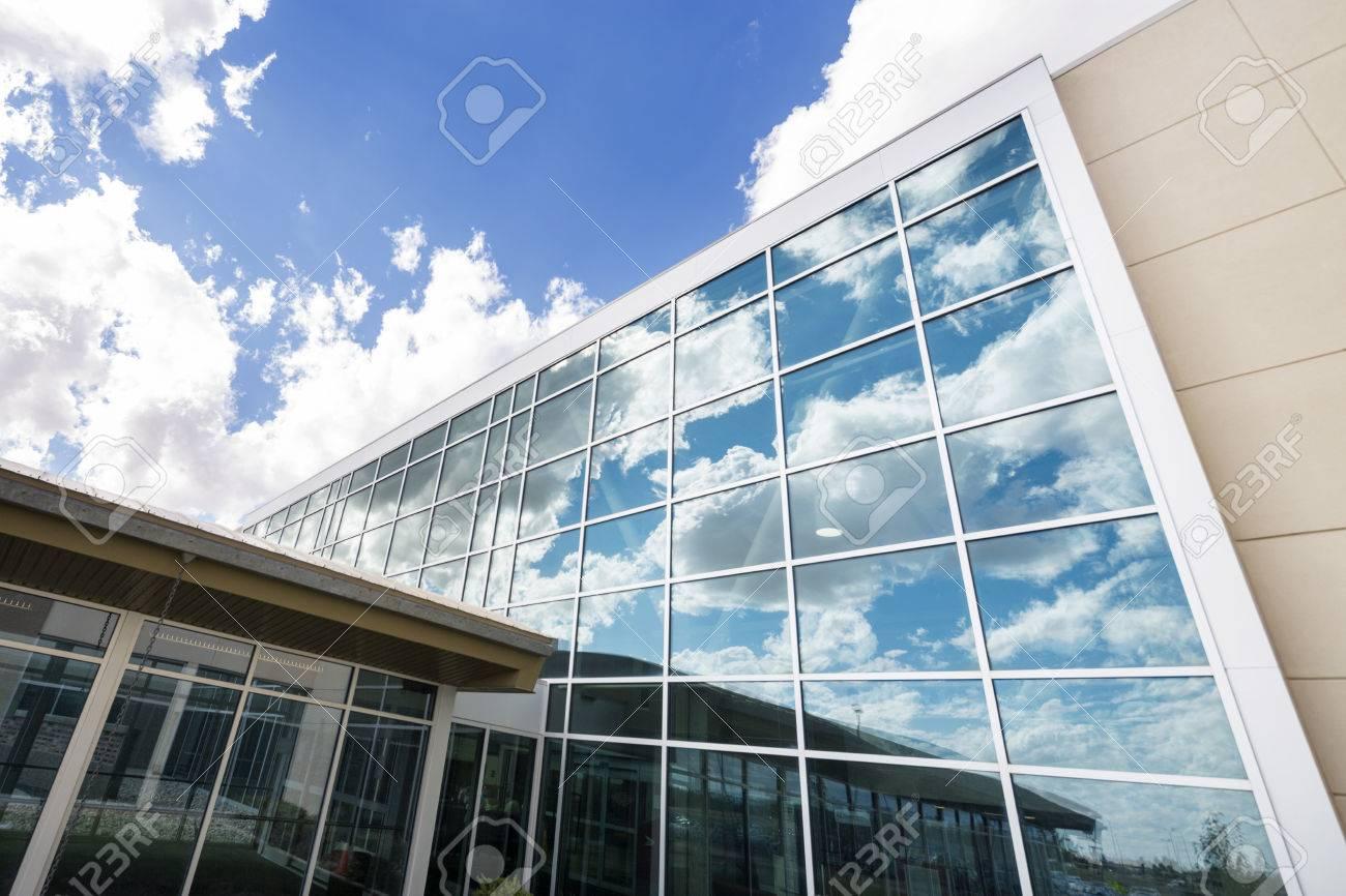 Modern Hospital Building With Glass Windows Standard-Bild - 73128712