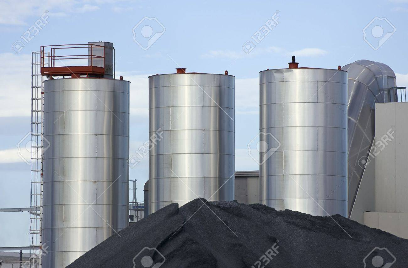 Metallic silos with stack of ground of an industrial plant Stock Photo - 5514066