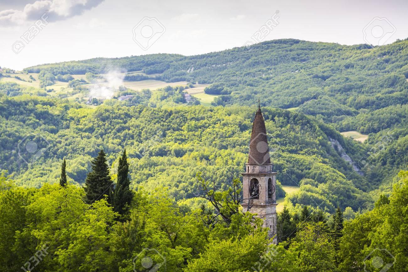 アペニン山脈、イタリア、ピアチ...