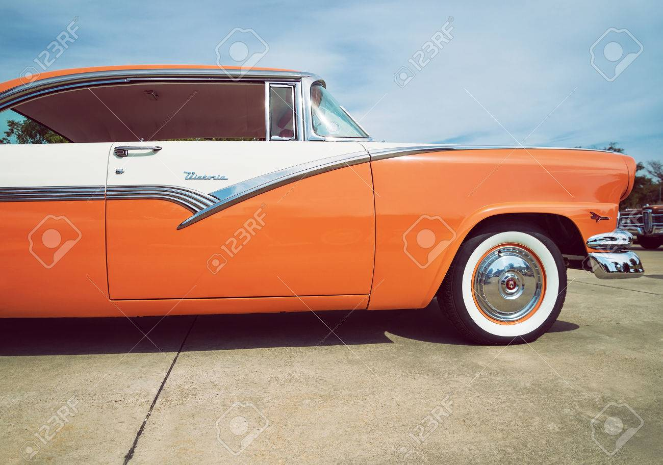 Westlake Texas October 17 2015 Front Side View Of A Mandarin 1955 Ford F100 Vector Stock Photo Orange And White 1956 Victoria Classic Car