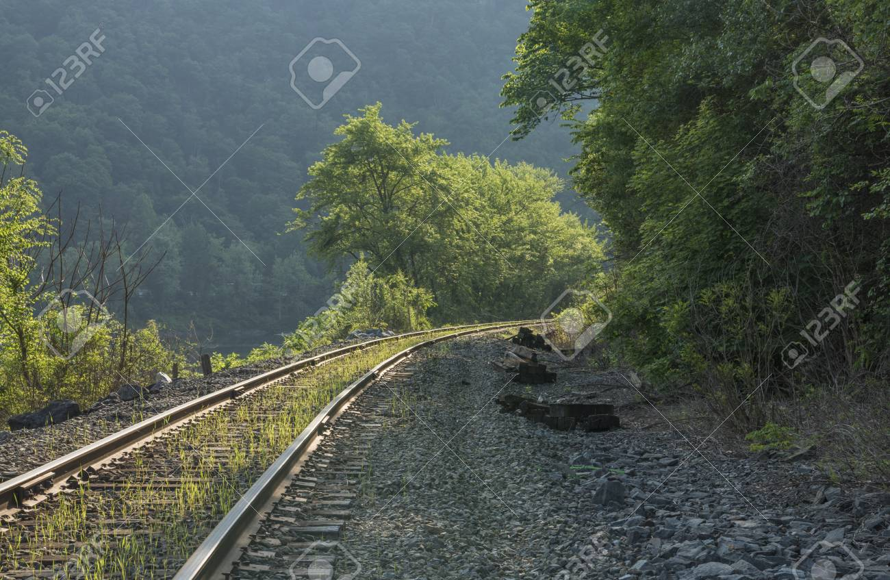Partially abandoned Delaware Valley Railway single track is still