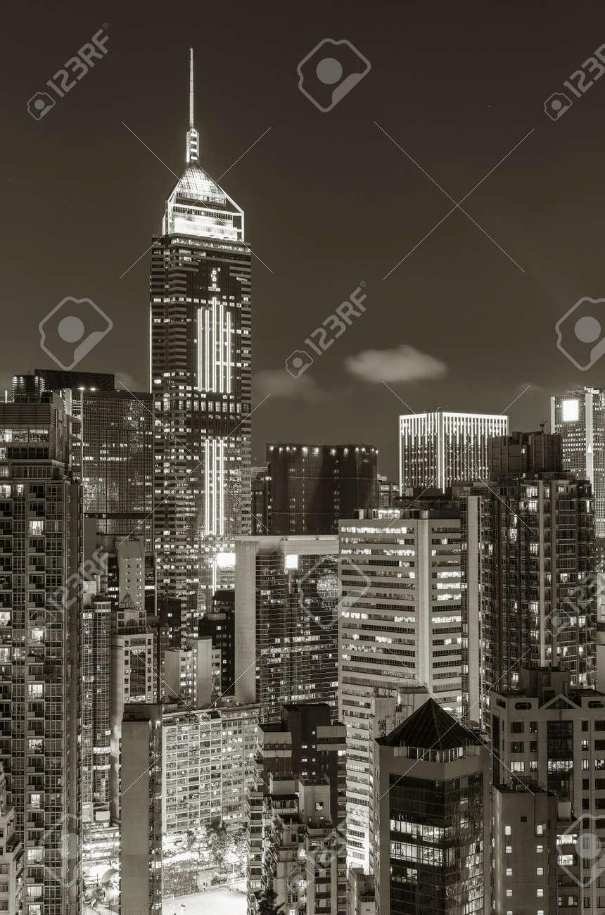 Skyline of downtown of Hong Kong city at night - 171284039