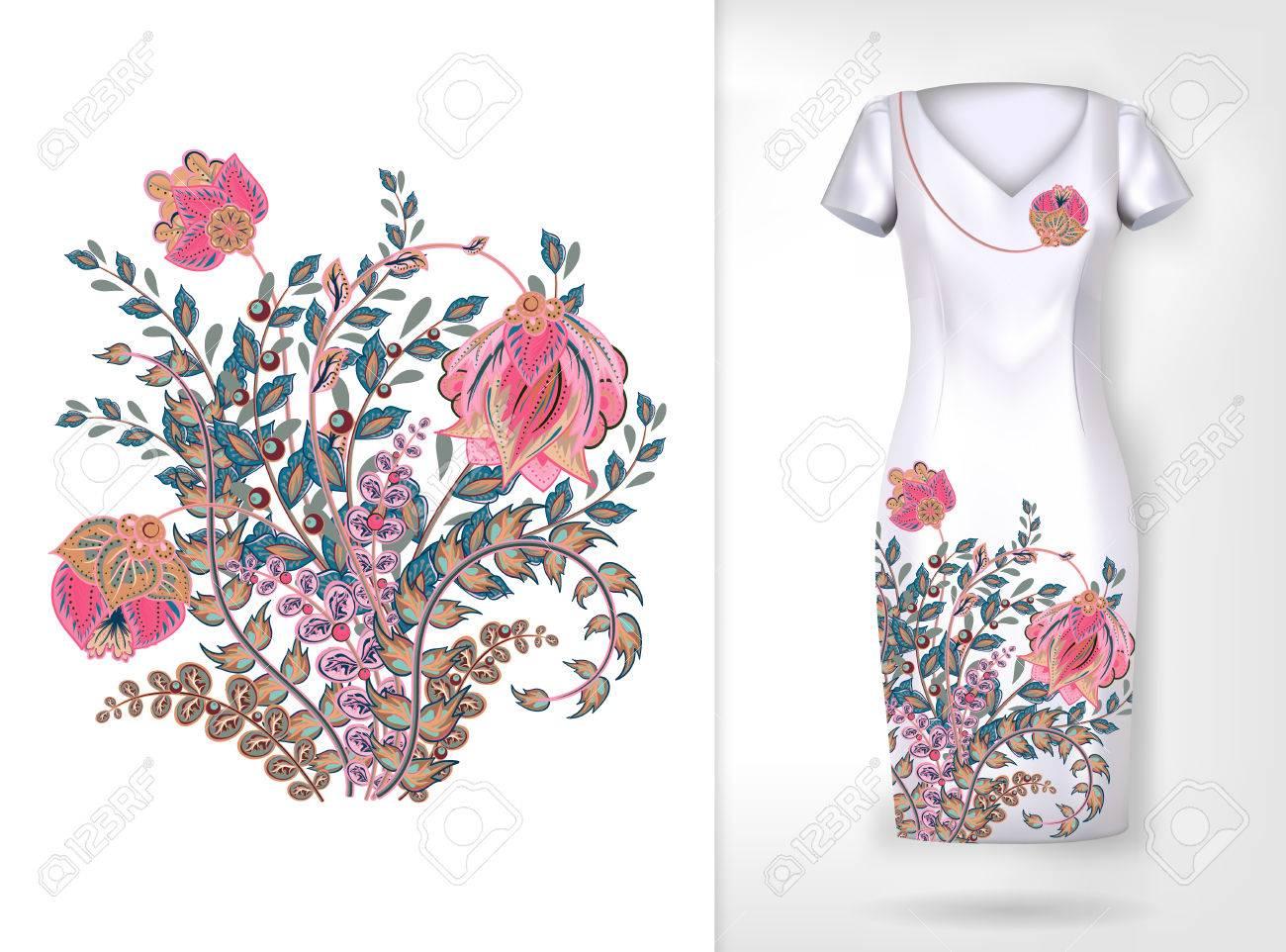 Foto de archivo - Patrón floral de la tendencia colorida del bordado.  Vector patrón de flores ornamentales tradicionales en la simulación de  vestir. 3618443ba3f1a