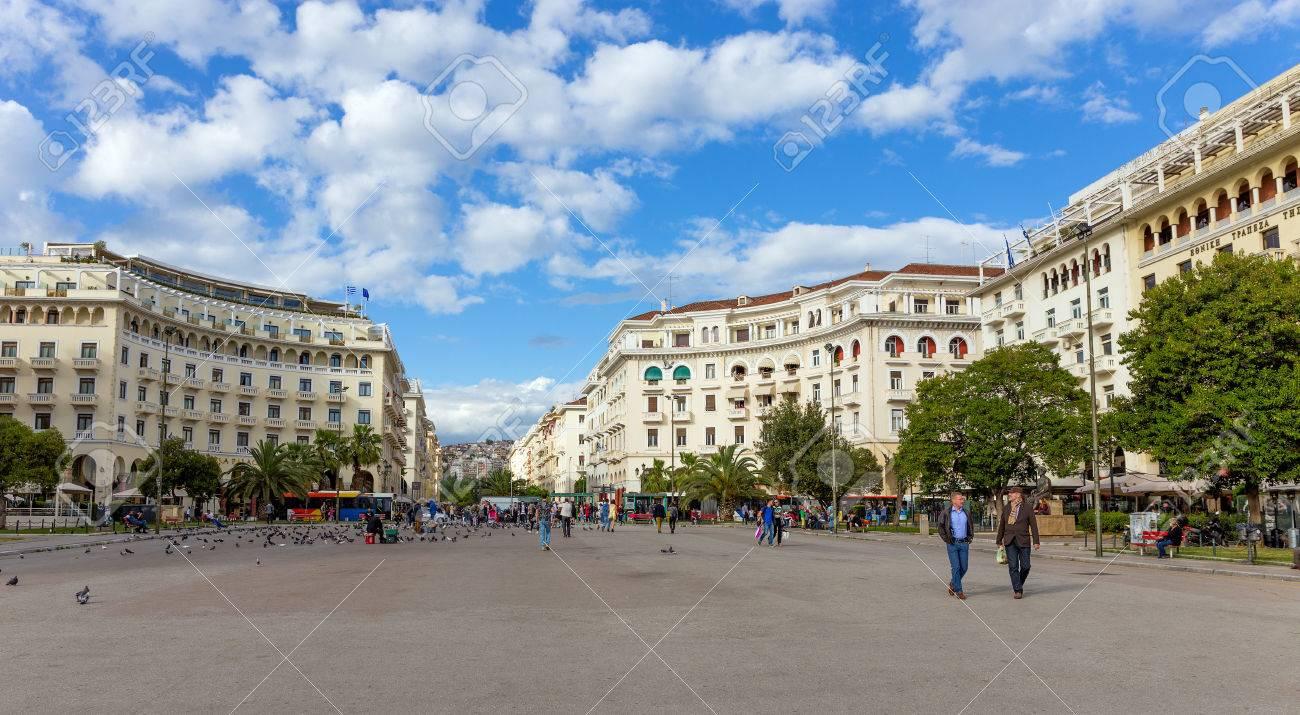 アリストテレオス広場、テッサロ...