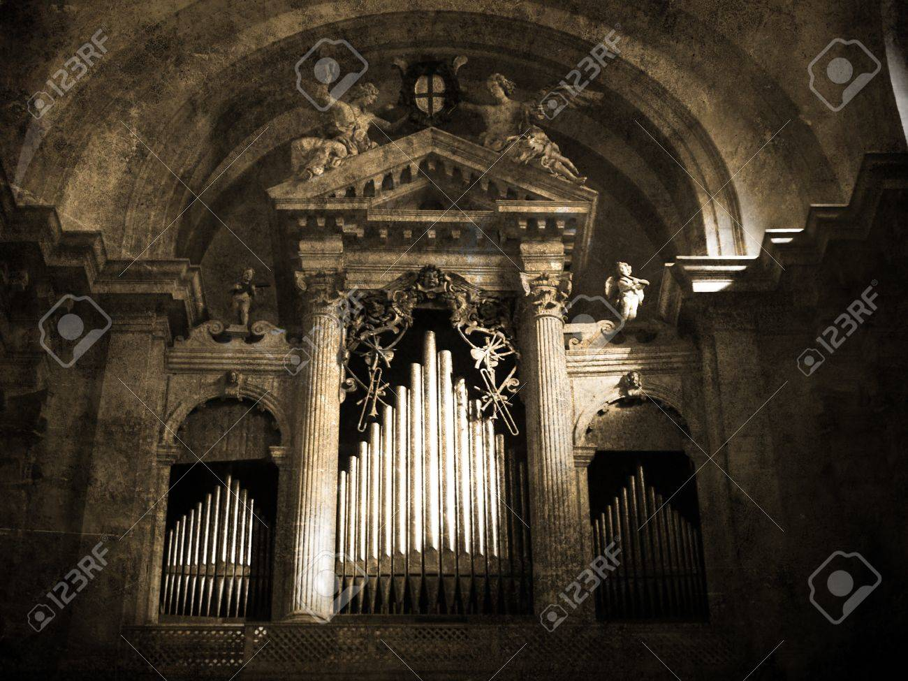 Old organ. Vintage picture          Stock Photo - 11771270