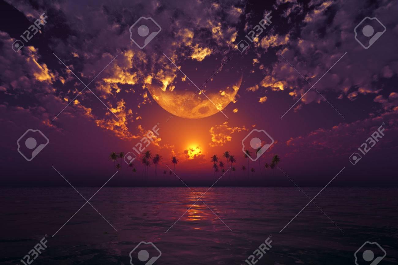 熱帯の海で紫の夕焼け雲に大きな...