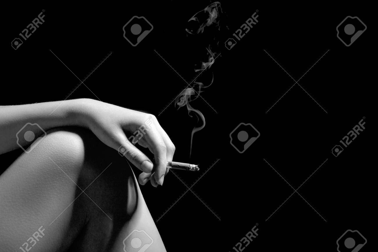 「膝上タバコ」の画像検索結果
