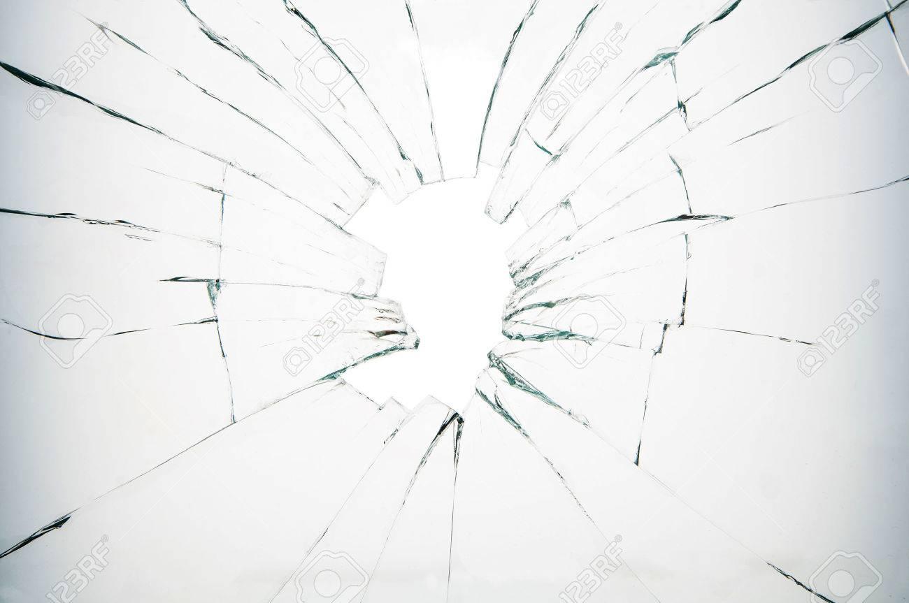 glasbruch auf weissen hintergrund lizenzfreie fotos bilder und stock