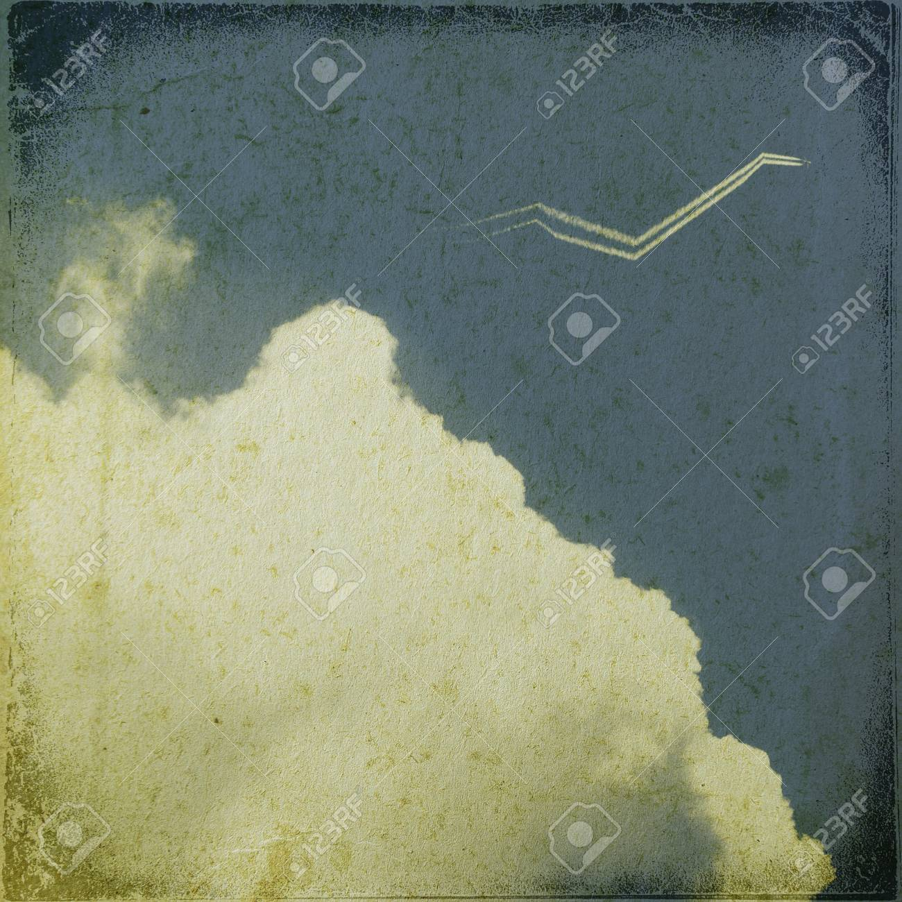Grunge cloud background, vintage paper texture Stock Photo - 15551384