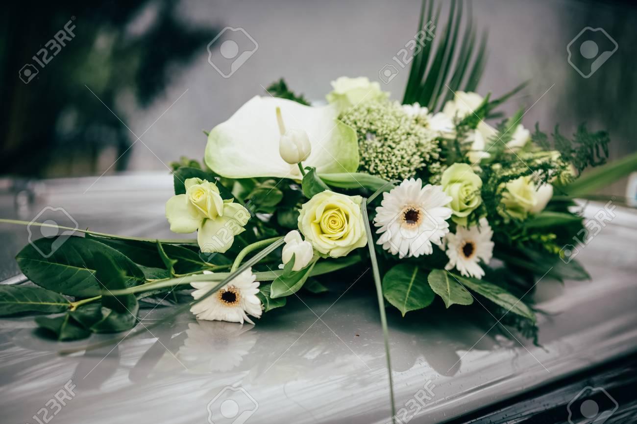 Kirche Blumen Hochzeit Braut Zeremonie Lizenzfreie Fotos Bilder Und