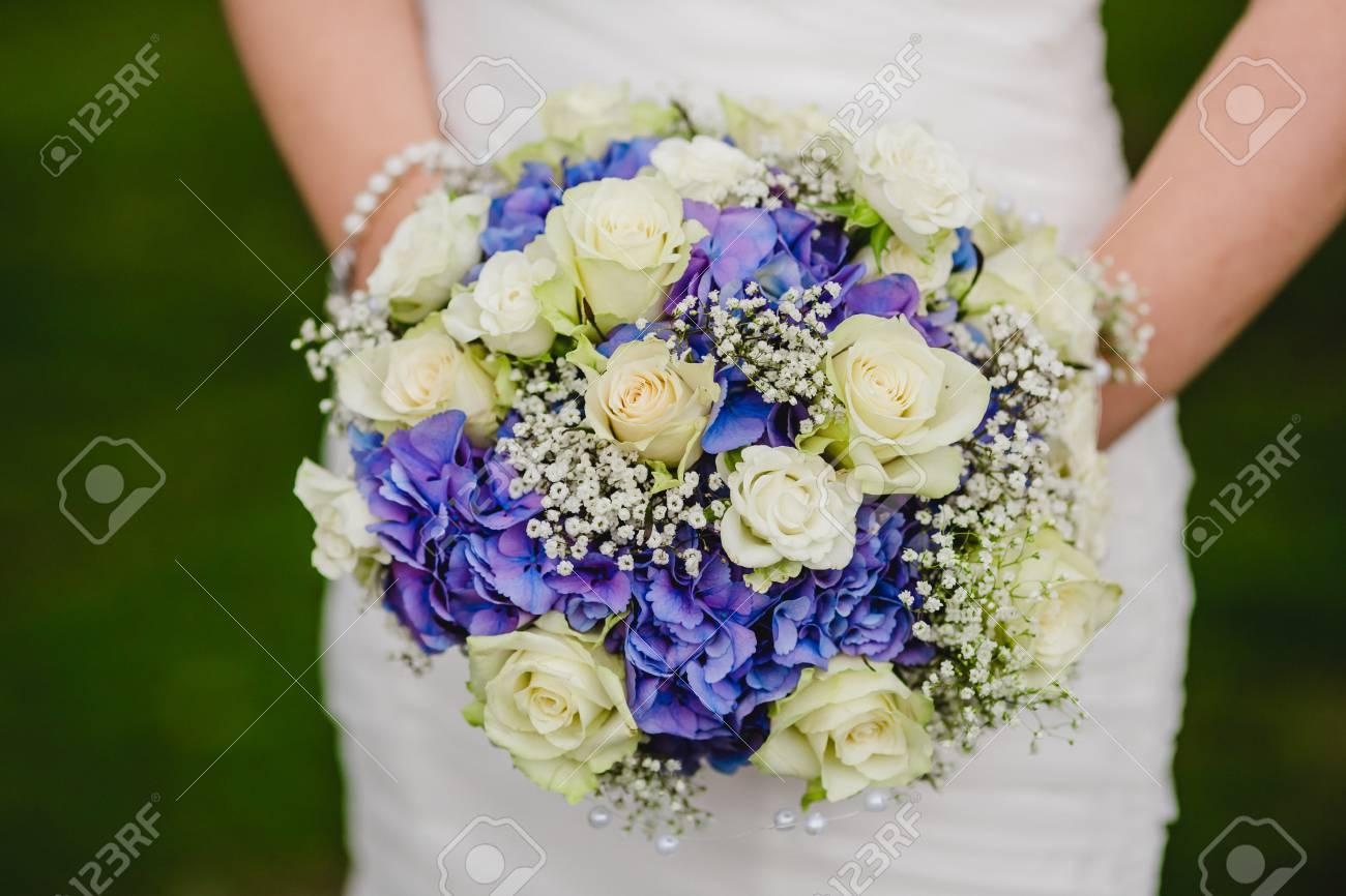 Braut Blumenstrauss Hochzeit Blumen Ringe Lizenzfreie Fotos Bilder