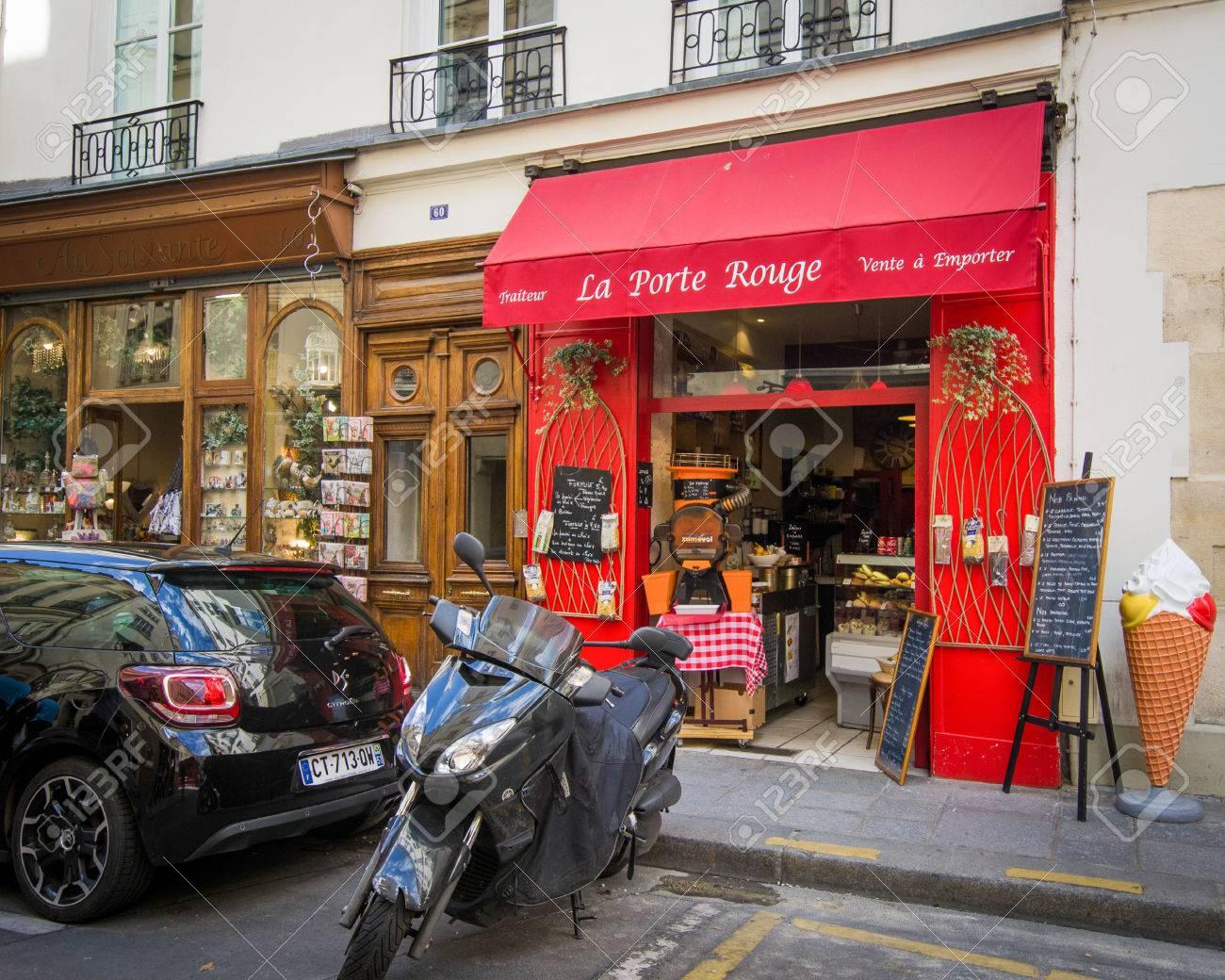 Paris France August 15 2015 La Porte Rouge Is A Tiny Italian