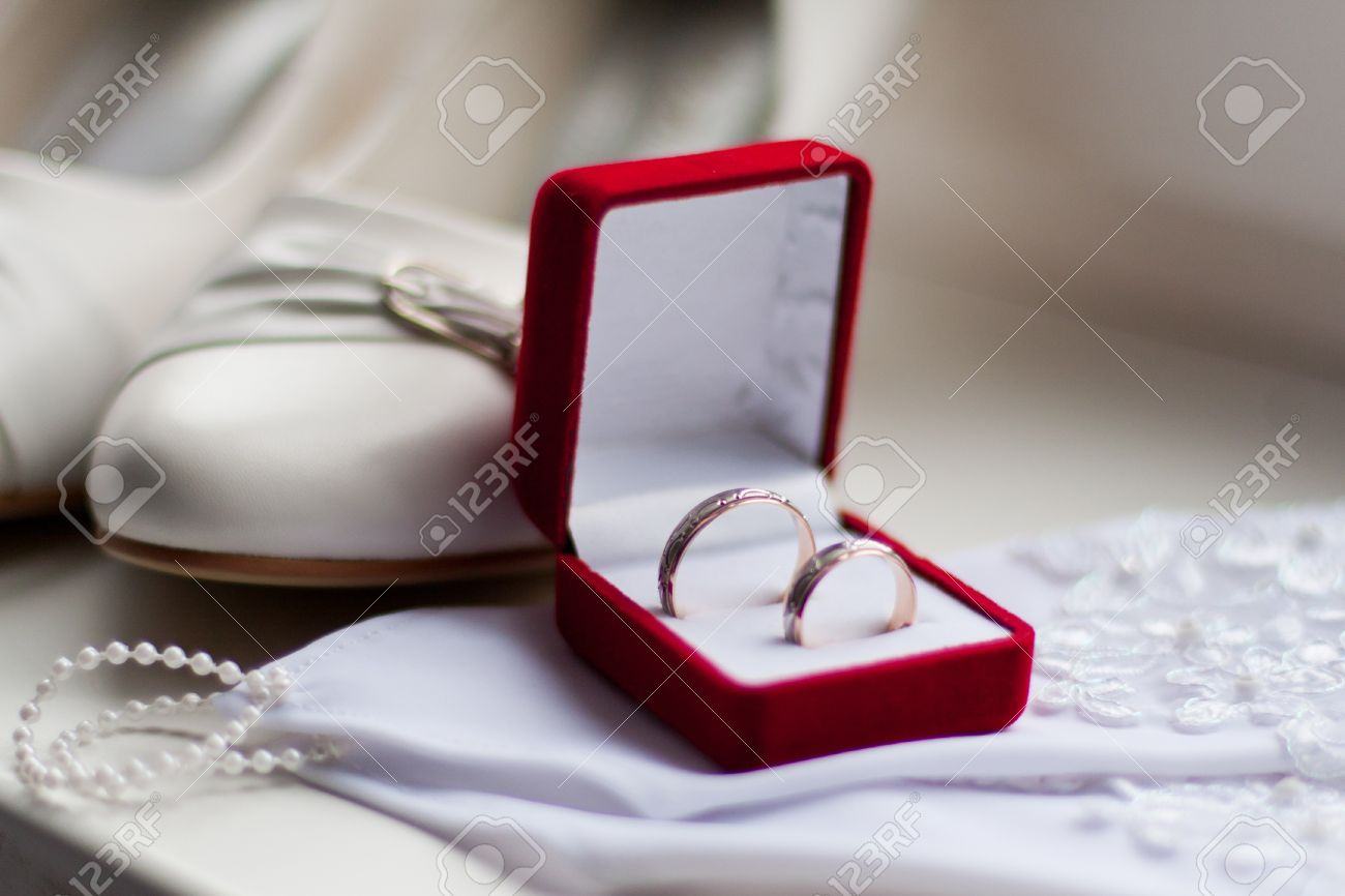 Ring Box: Pair Of Wedding Rings In The Box Very Shallow Dof