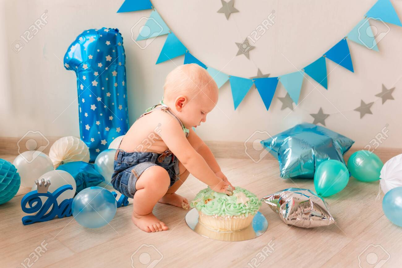 Super Adorable Baby Boy Celebrating His First Birthday Smash Cake Personalised Birthday Cards Veneteletsinfo