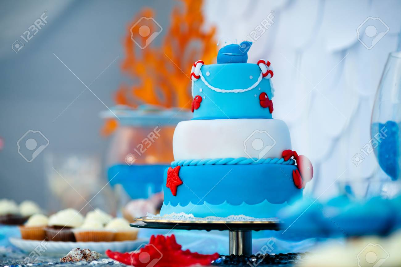 Excellent Huge Blue And White Birthday Cake With Sweet Crab Fish Starfish Personalised Birthday Cards Akebfashionlily Jamesorg