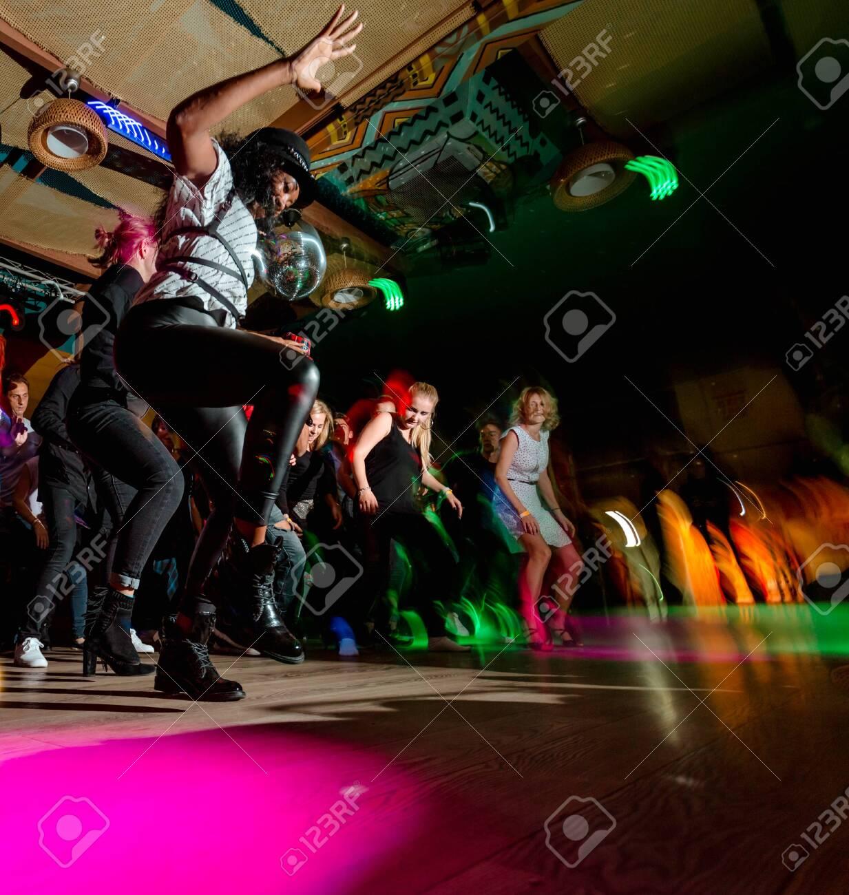 Клуб кубинской музыки в москве администратор в ночном клубе вакансия москва