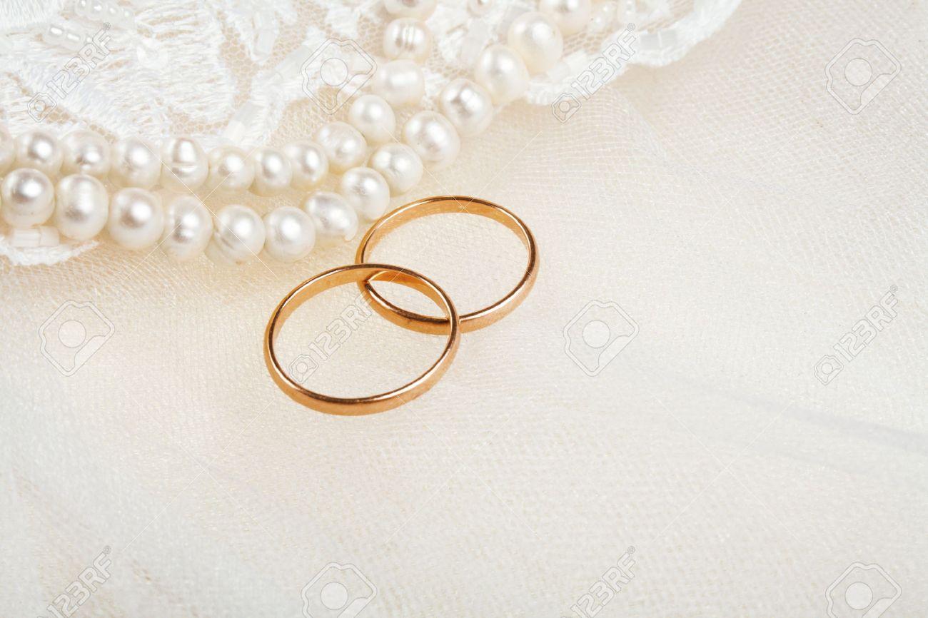 Paar Goldene Hochzeit Ringe Uber Einladungskarte Dekoriert Mit
