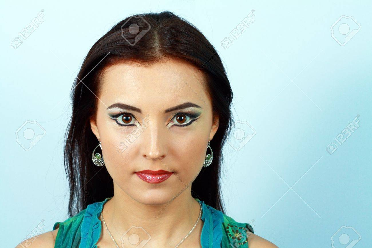 Porträt Sinnliche Frau Modell Mit Arabischen Hellen Make Up Lange