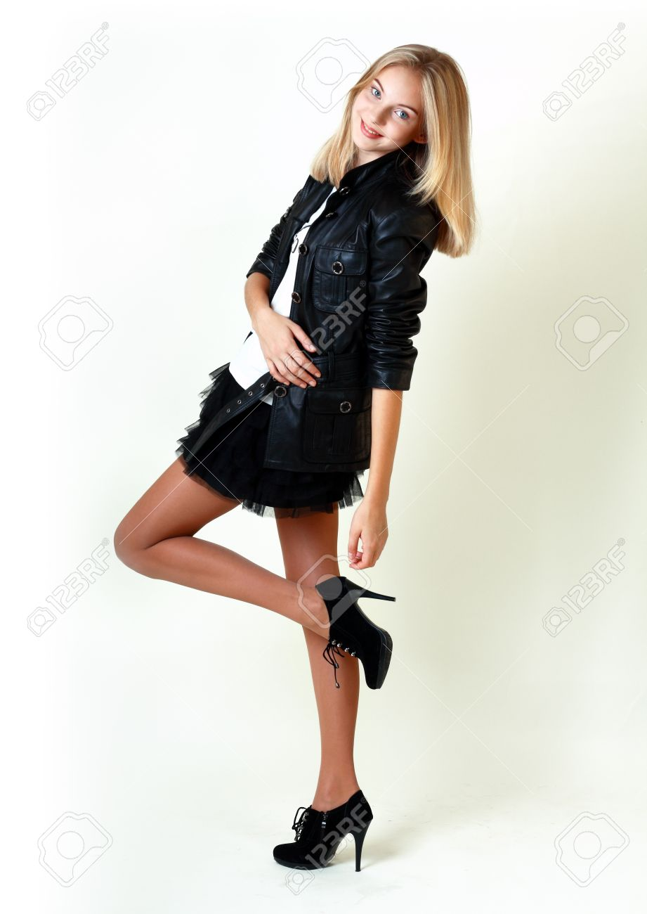 very-young-teen-in-miniskirt
