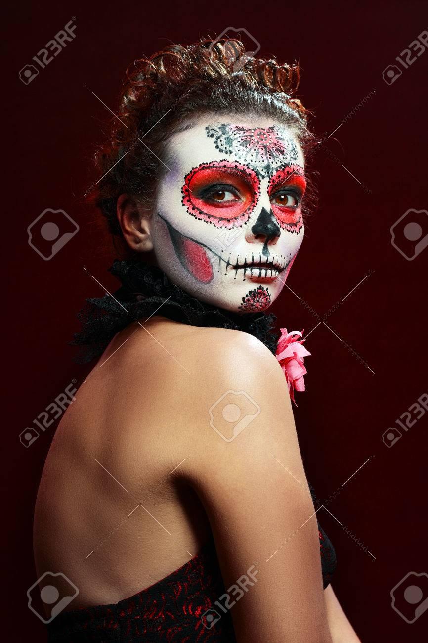Halloween Schminke Bilder.Halloween Make Up Sugar Skull Schones Modell Mit Perfekter Frisur Sankt Muerte Konzept Lizenzfreie Fotos Bilder Und Stock Fotografie Image 23871280