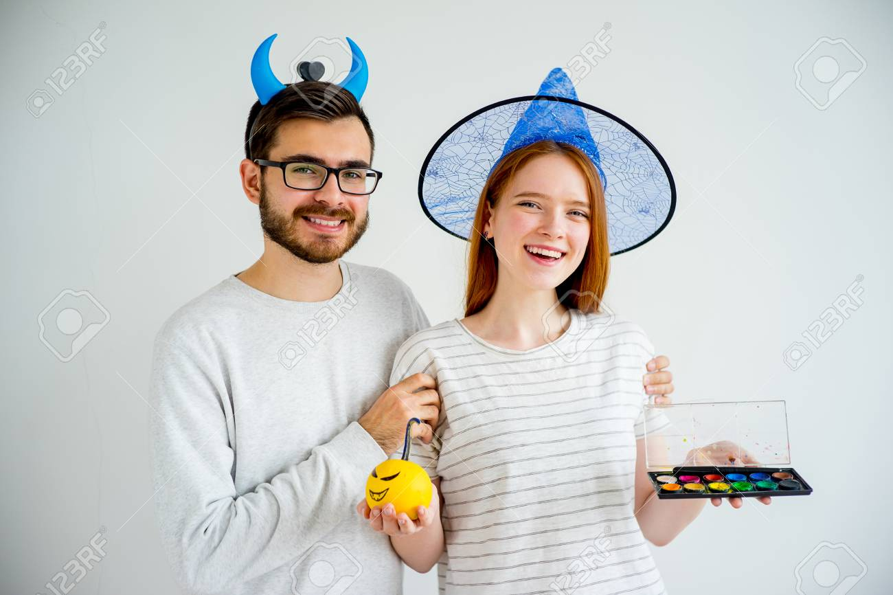 Couple in halloween costumes - 84052470