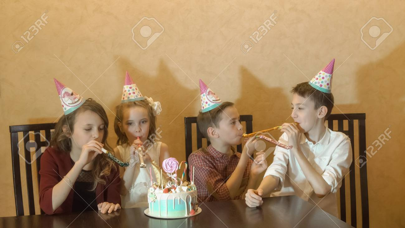 Peachy Children Have Fun At Birthday Party Birthday Cake For Little Funny Birthday Cards Online Bapapcheapnameinfo