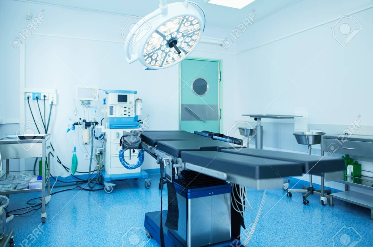 Interior of operating room in modern clinic. - 120335334