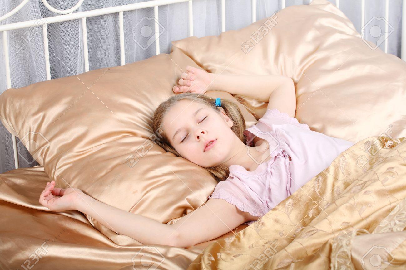 Рассказы трахнул спящую маму, Порно рассказы спящая мама читайте бесплатно онлайн 17 фотография