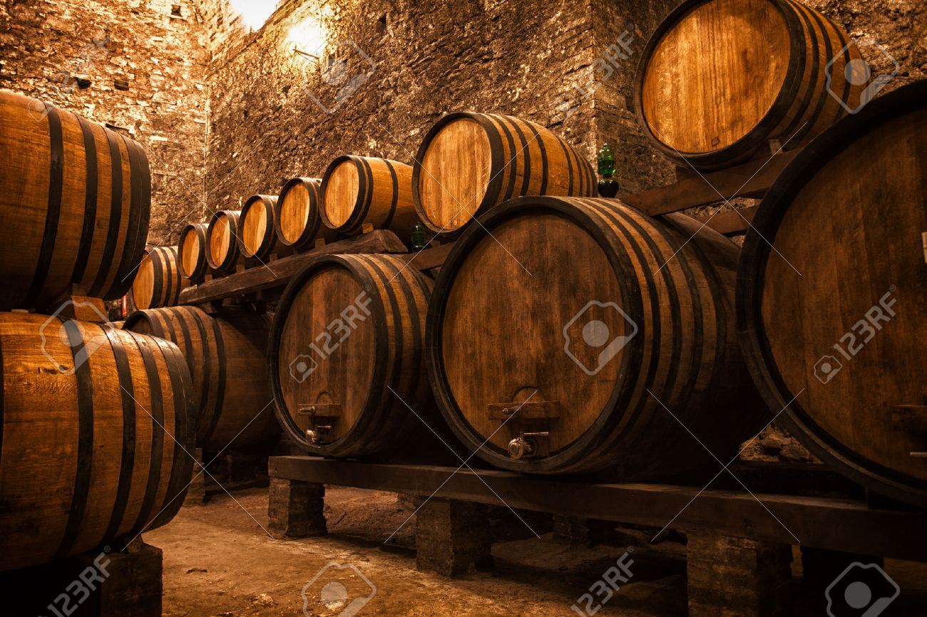 Stockage De Vin cave à fûts pour le stockage de vin, italie banque d'images et