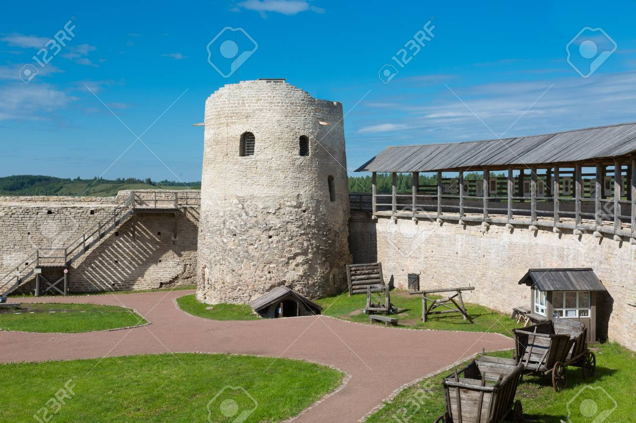 Izborsk fortress, Pskov region: photo and description, history of sights, how to get 21