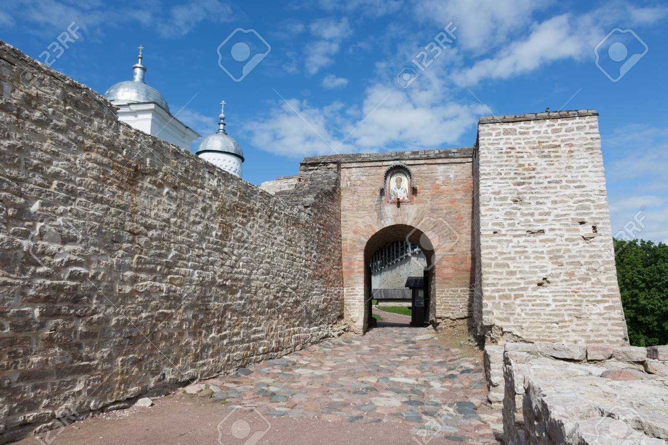 Izborsk fortress, Pskov region: photo and description, history of sights, how to get 42