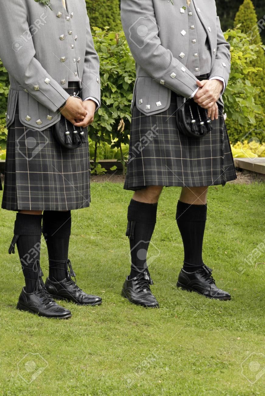 MEN IN KILTS Bride and Groom Scottish wedding Wedding illustrations Watercolor wedding Save the date Wedding invites Wedding clipart