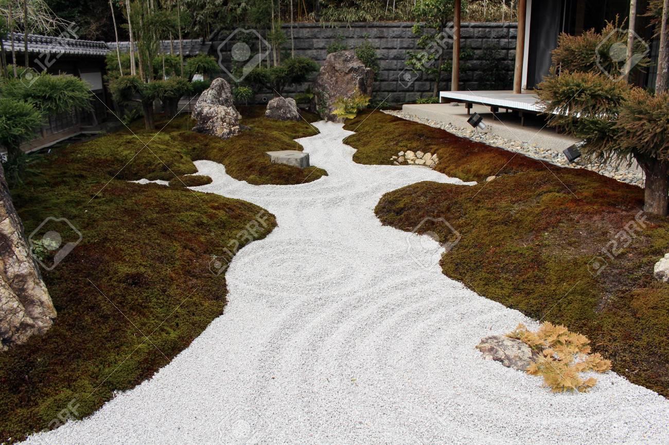 Dorable Japanese Rock Garden Festooning - Brown Nature Garden ...