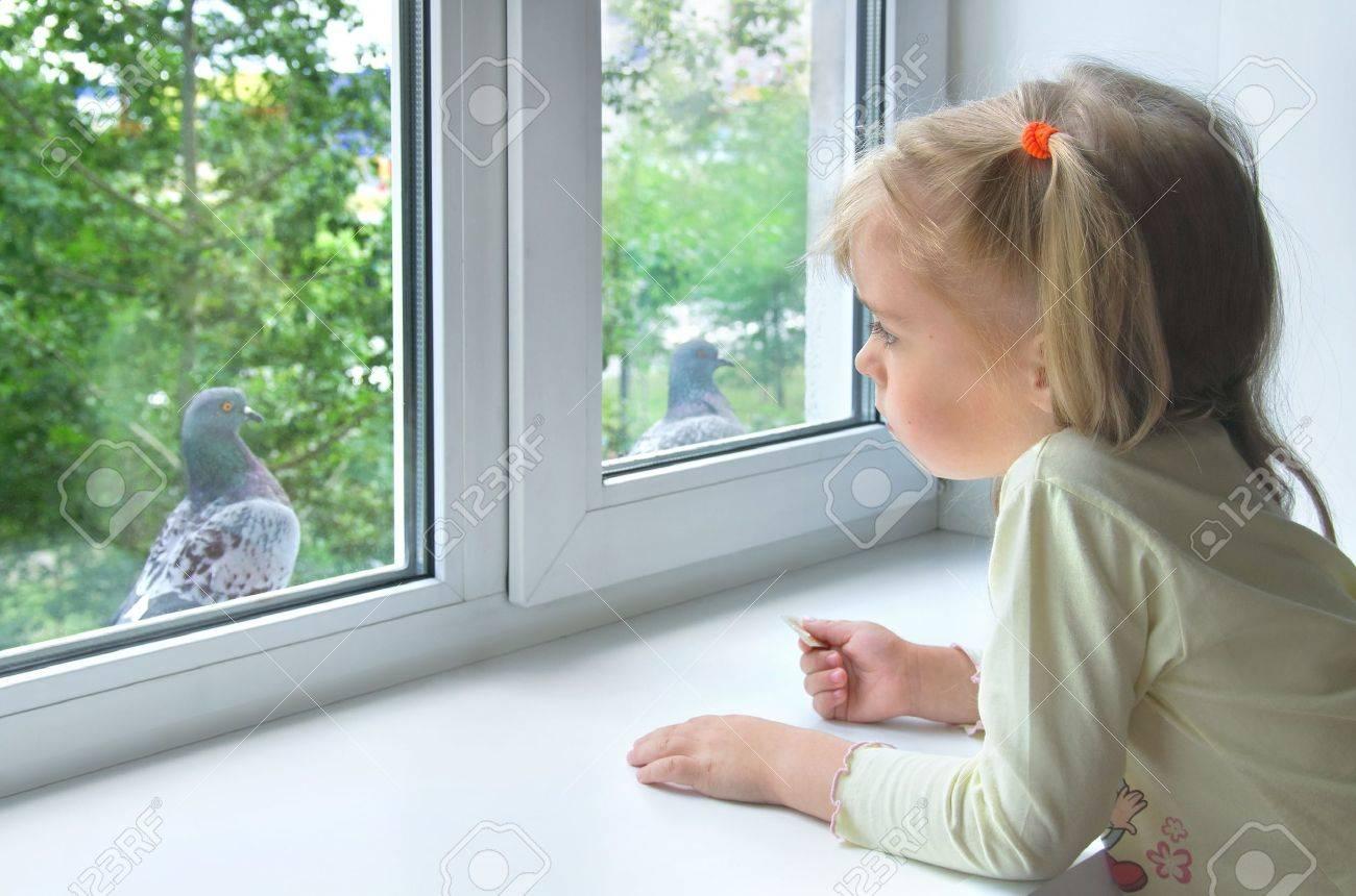Снимает соседку через окно 23 фотография