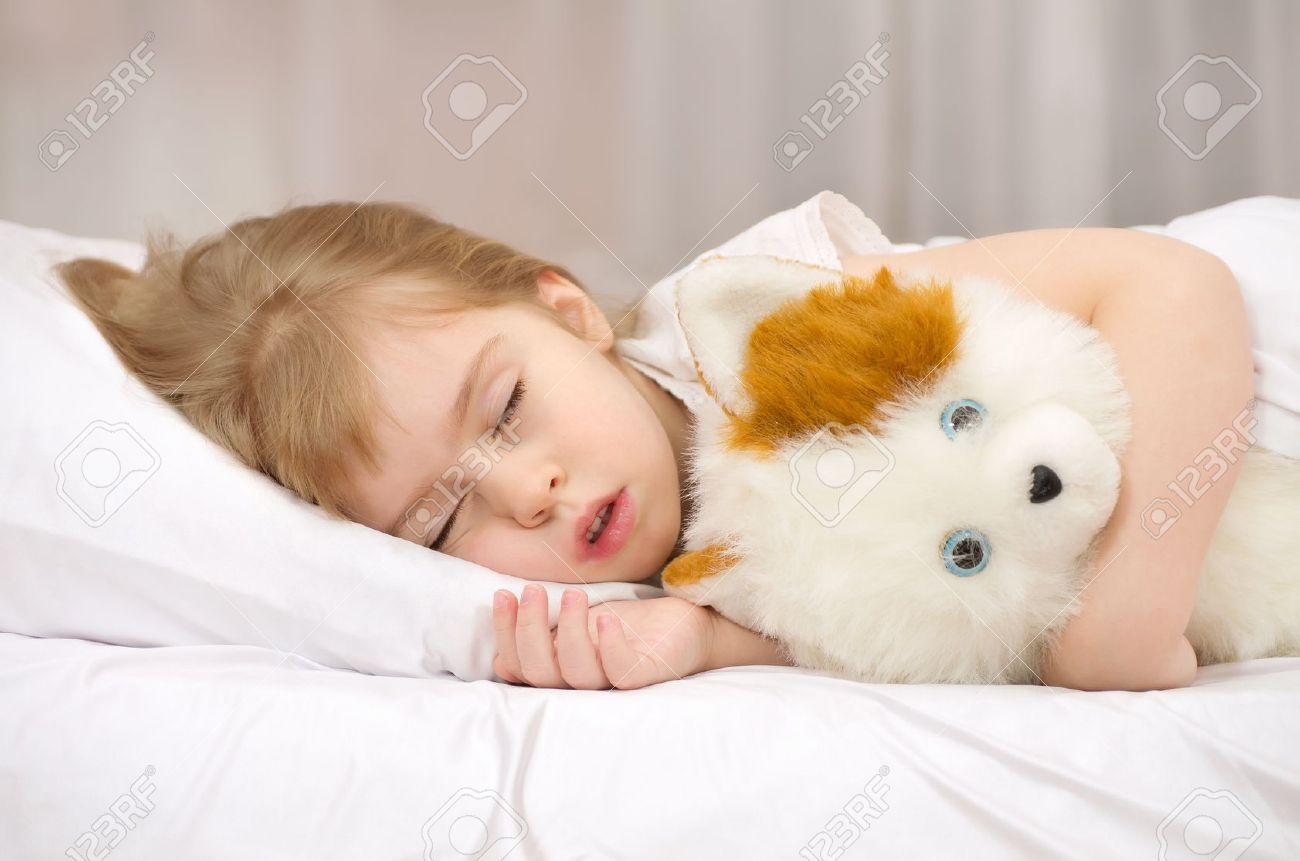 Cute Little Girl Sleeping Teddy Bear Stock Photo 449079511 ...