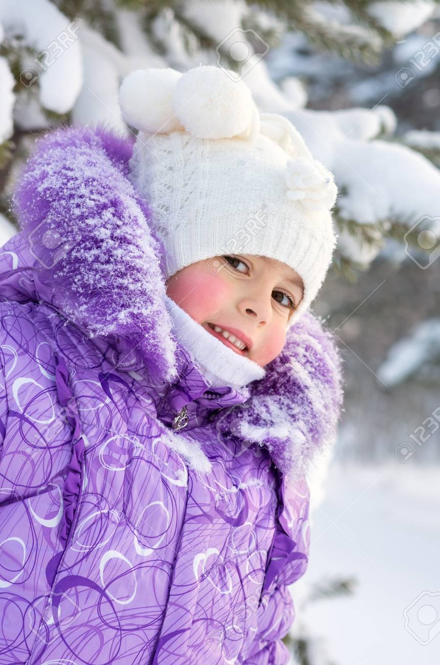 Portrait of a little girl Stock Photo - 17108959