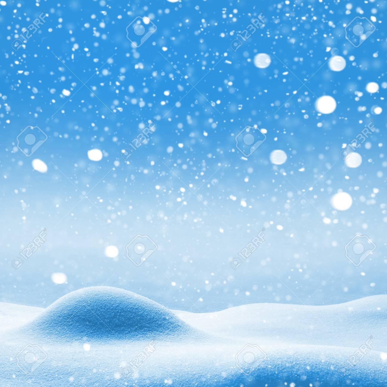 Fond De Noel Avec Des Congeres Et La Neige Qui Tombe